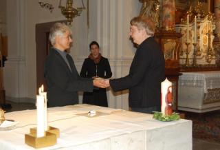 Ewige-Profess_Sr-Antonia_Professablegung-am-Altar-i